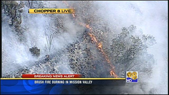 Brush fire in Mission Valley