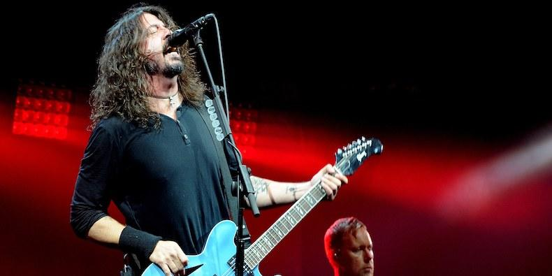 listen to foo fighters new song the line