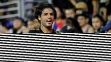 LAFC's Carlos Vela has knee injury, likely out a few weeks