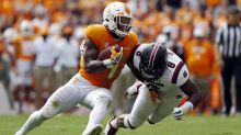 QB switch doesn't spark Tennessee offense as South Carolina beats Vols 15-9