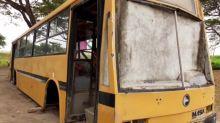 """Família venezuelana mora em ônibus e sonha com """"casa normal"""""""