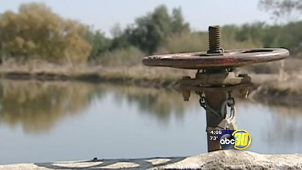 Busload of Merced County residents fight water plan