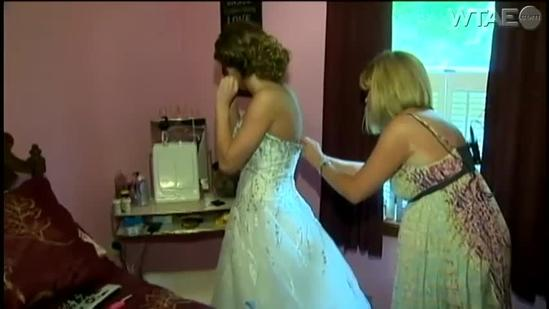 Washington County teen surprises dying father with 'wedding dress' at prom