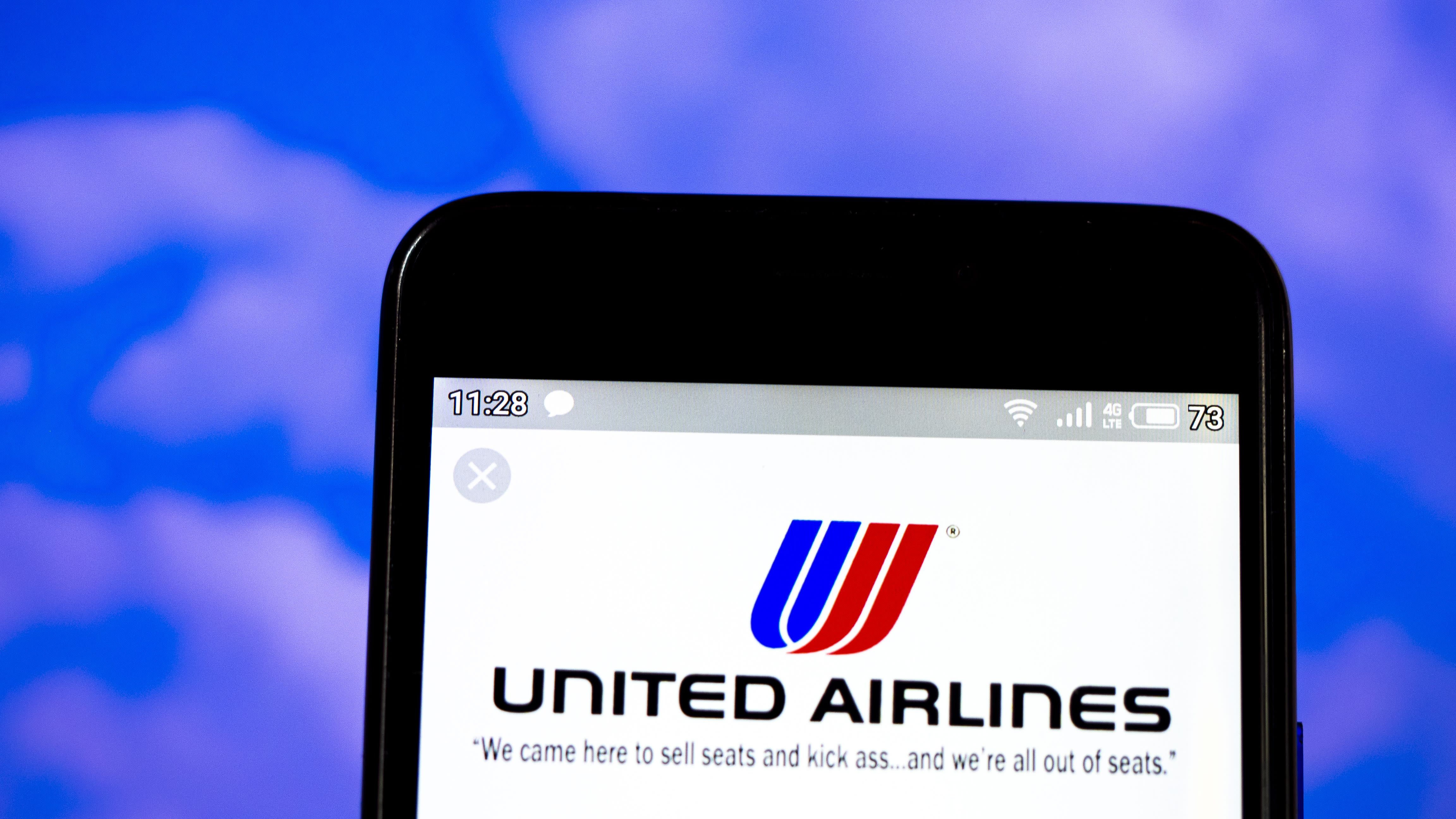 News post image: United Airlines reducing U.S. flights by 10% in April