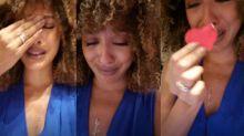 Sheron Menezzes chora ao ver presente do Dia das Mães destruído por cachorro