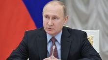 """Ex-espion empoisonné: Poutine assure que la Russie est """"prête à coopérer"""" avec Londres"""