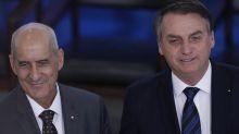 Com apoio dos filhos de Bolsonaro, ala ideológica quer que ele demita Ramos