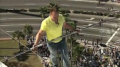 Wallenda Crosses Fla. Tightrope 200 Feet High