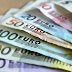 EUR/USD Price Forecast – Euro Testing the Highs