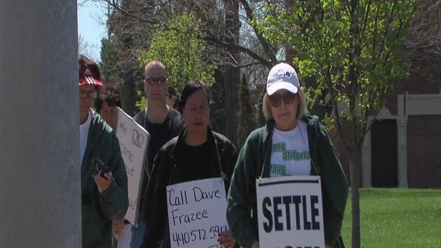 6pm: Strongsville strike continues