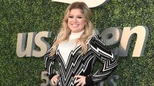 Kelly Clarkson Shuts Down 'Fake News' That She's 'Taking Weird Pills' for Weight Loss