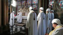 Realizada primeira missa em Notre-Dame após incêndio