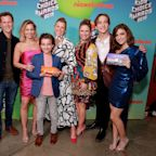 The Ladies of Fuller House Seemed to Stand Behind Lori Loughlin at the Kids' Choice Awards