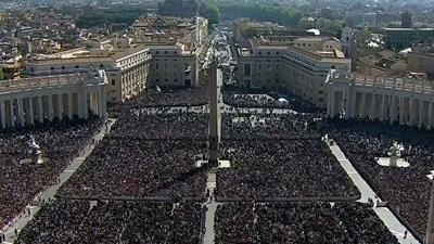 Raw: More Than 100,000 Gather for Easter Sunday