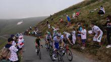 Tour de France : Public éparpillé, journée en demi-teinte et vautours, la drôle d'ambiance du Port de Balès