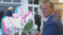 Sean Spicer gets hilariously trolled by Samantha Bee while promoting his new book