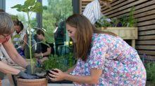 Herzogin Kate packt beim Gärtnern mit an
