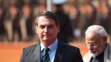 'Pergunta pro Trump', diz Bolsonaro sobre tratamento recebido por brasileiros deportados dos EUA