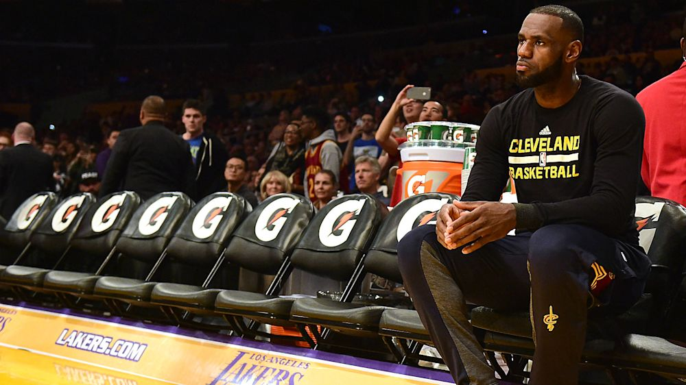 What happens when LeBron James hits free agency? NBA execs weigh in