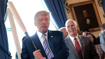Trump awards Medal of Freedom to Babe Ruth, Roger Staubach, Alan Page
