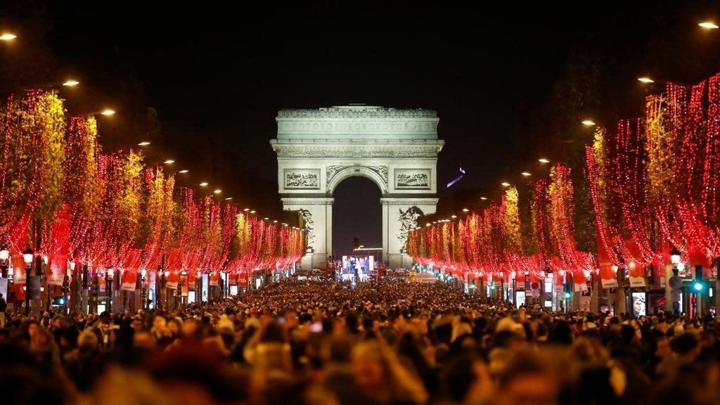 Coronavirus may force French people to sacrifice Christmas