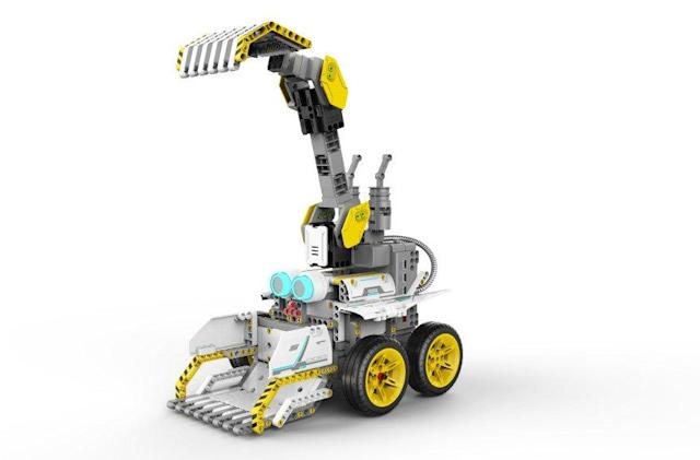 Ubtech introduces a new construction-themed STEM robotics kit