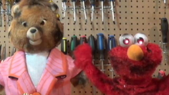 Macklemore's 'Thrift Shop' Gets Covered by Elmo