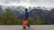 Com quarentena pelo coronavírus, indianos conseguem ver o pico do Himalaia pela primeira vez em 30 anos