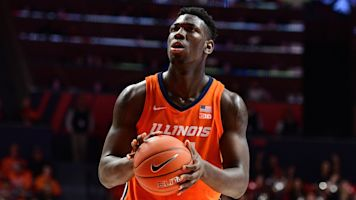 Illinois center punches ref during celebration