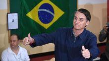Brésil: Bolsonaro accusé de propagande illégale sur Whatsapp