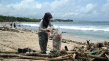 Bali lanza una batalla contra la invasión del plástico