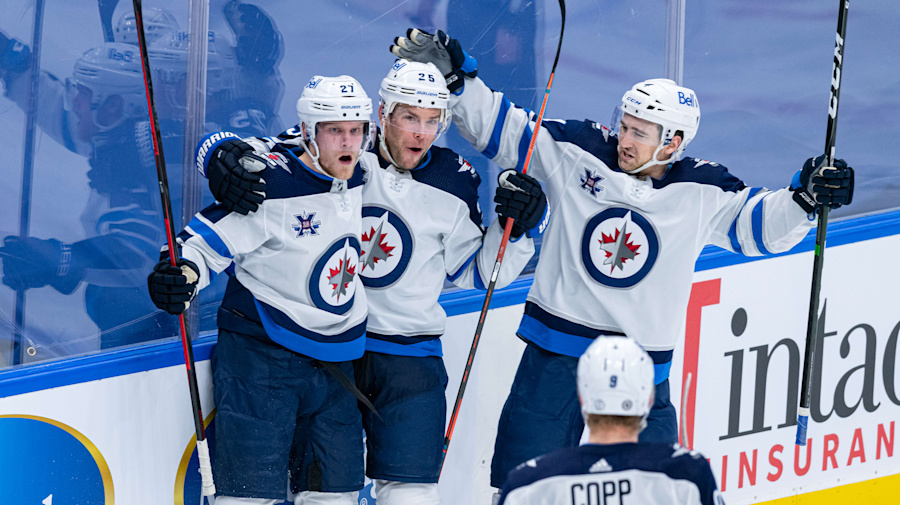 Jets closing in on Leafs atop the North Division
