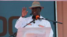 Le président-candidat Ouattara défend son bilan à Bouaké devant une foule en liesse