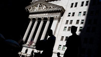 Wall St. beats exchanges in market-data fee battle