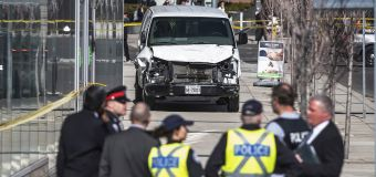 10 dead after van plows into crowd in Toronto