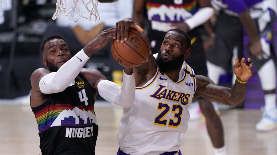Lakers suffer letdown after emotional Game 2 win