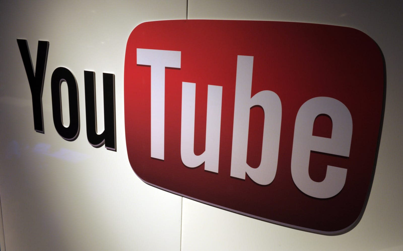 YouTube clarifies how much cash its creators can make