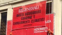 Generali, a Trieste azione dimostrativa attivisti Greenpeace