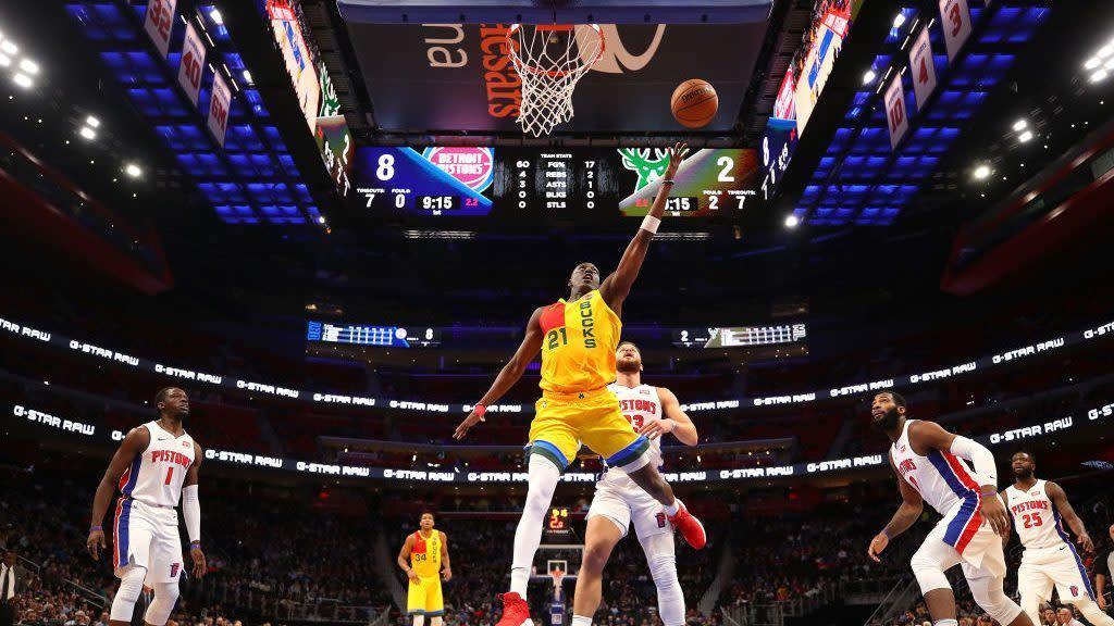Report: Bucks trading Tony Snell, No. 30 pick to Pistons