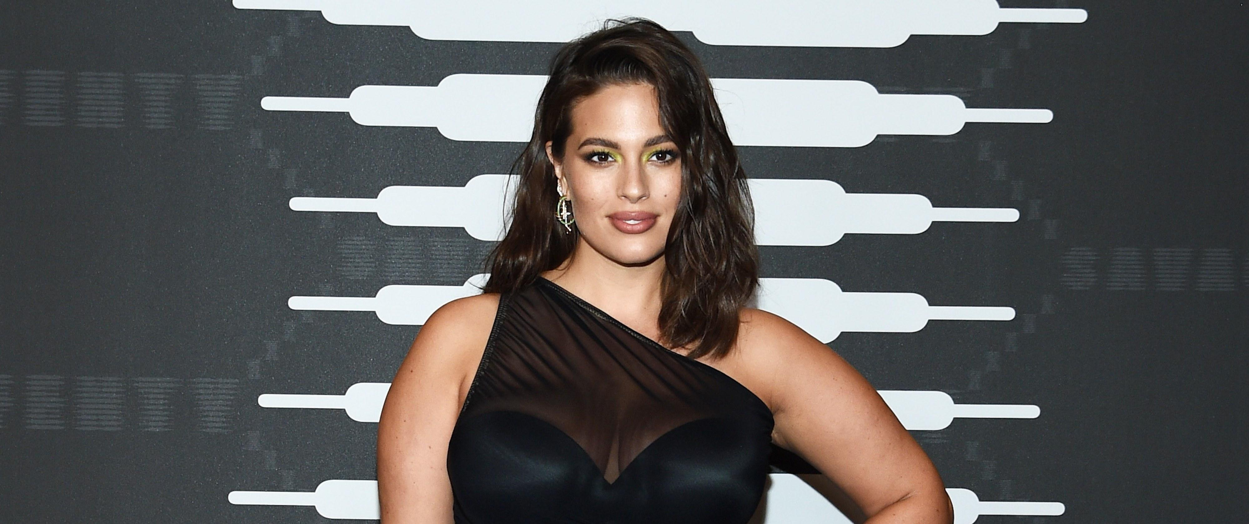 Pregnant Ashley Graham Shows Off Stretch Marks In