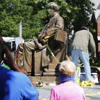 Richmond removes 2nd Confederate statue as crowd cheers
