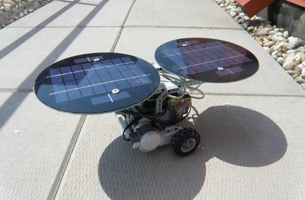 dSolar panels for Mindstorms bring green power to your Lego creations