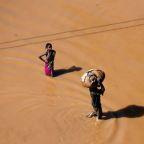 Hunger, disease stalk Africa cyclone survivors, U.N. sees 1.7 million affected