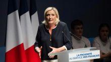 Débat sur l'immigration: Le Pen accepte les 5 minutes d'Orphelin