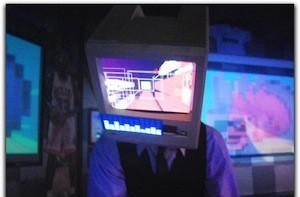Celebrate the 25th anniversary of the Mac Plus with a crazy helmet
