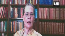 Sonia reconstitutes CWC, Team Rahul gains