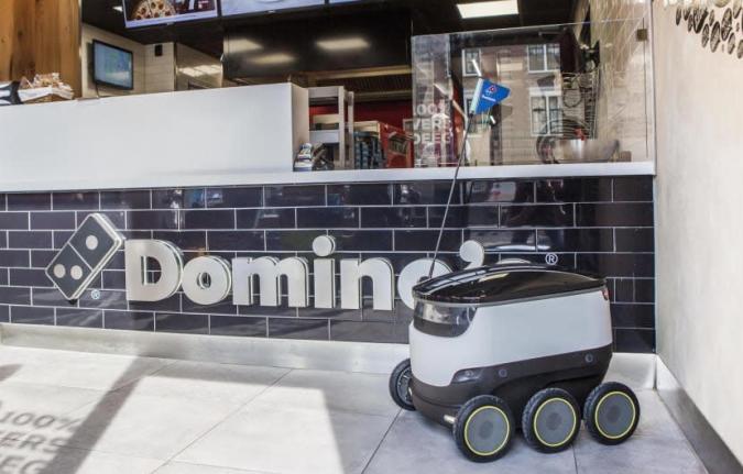 Domino's liefert erste Pizzas mit Roboter in Hamburg aus