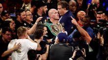 Fury se exhibe ante Wilder, recupera el cinturón de los pesos pesados y se pone a cantar