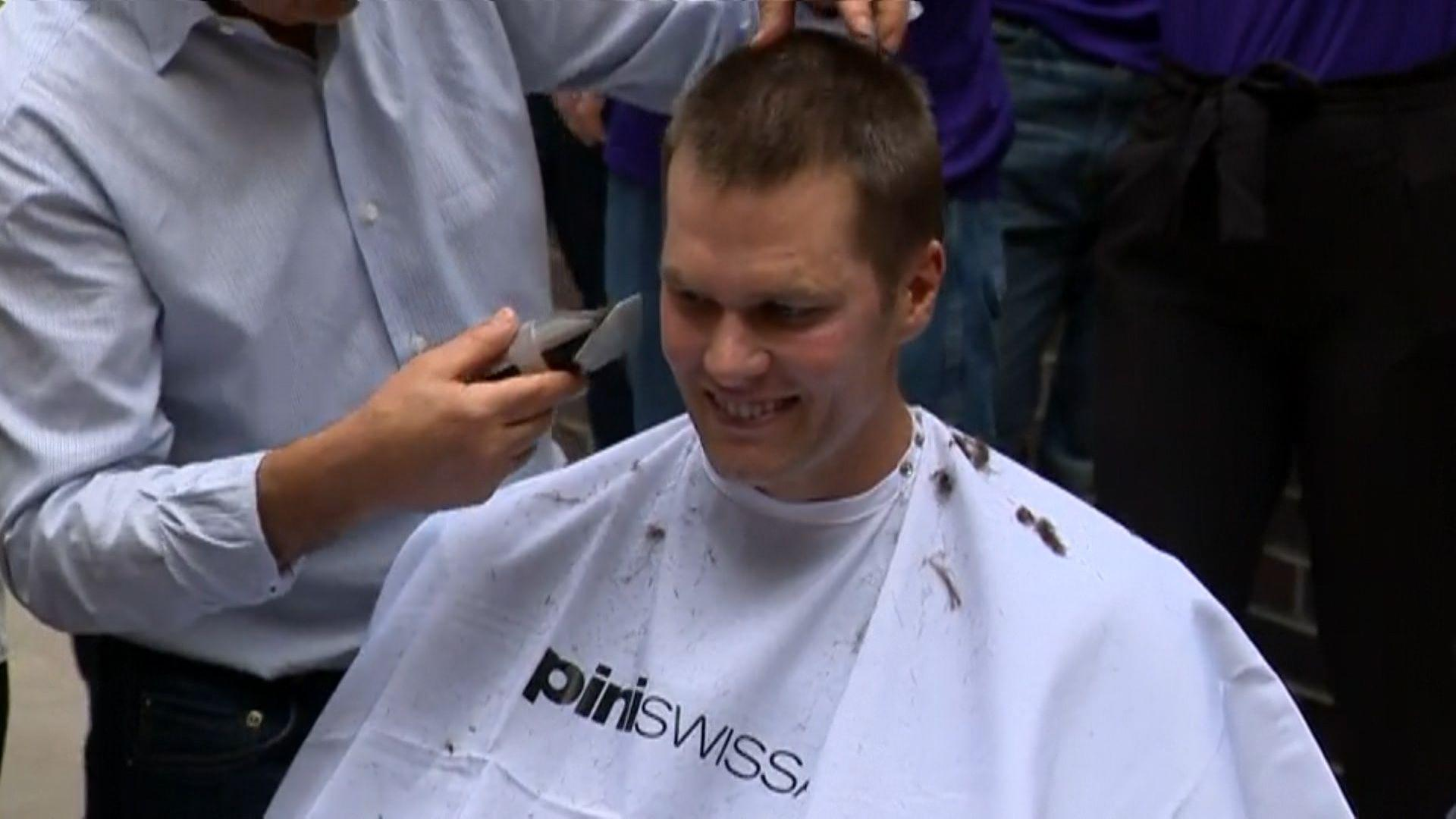 Patriots Tom Brady Gets A Haircut For Cancer Awareness