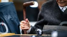Ex-SS guard, 93, 'sorry for what he did', German court hears